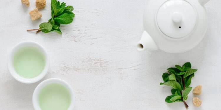Drinking Green Tea Can Actually Help You Lose Weight